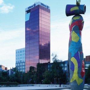 Allianz seguros responsabilidad social bancos cajas y for Oficinas de allianz en madrid