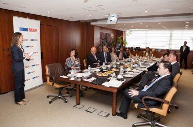 Seur presenta a sus grupos de inter s su informe de rc for Oficinas seur